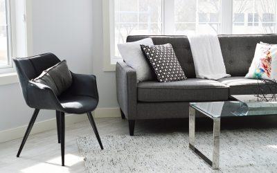 Gør hjemmet mere fint og stilet – pynt og ting på hylderne